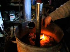 Печка на опилках - YouTube