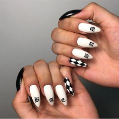 Because acrylic nails and straight sand cannot get along, you complete your summer look with a short and elegant manicure. These cute and cool looks are perfect for girls who love colors and are looking for a new trend for nails. Edgy Nails, Aycrlic Nails, Grunge Nails, Stylish Nails, Trendy Nails, Swag Nails, Toenails, Checkered Nails, Fire Nails