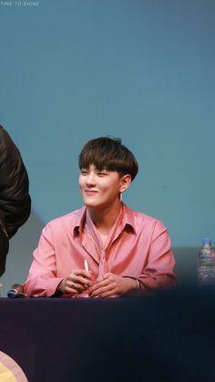 My baby. his smile is so sweet It brings me life Kim Jinhwan, Chanwoo Ikon, Bi Rapper, Bobby, Ikon Member, Winner Ikon, Ikon Debut, Ikon Wallpaper, Kim Dong