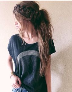 Pinterest: iamtaylorjess | Lots of volume + braid into ponytail | Hairstyle