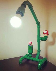 Luminária pvc Mario Bros. Tutorial Homens da Casa: http://homensdacasa.net/diy-luminaria-de-mesa-mario-bros/