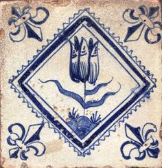 Mid century Dutch tile with a tulip and fleur-de-lis corner motifs Mid century Dutch tile with a tulip and fleur-de-lis corner motifs Delft Tiles, Blue Tiles, Le Grand Bleu, Dutch Golden Age, Antique Tiles, Blue And White China, Decorative Tile, Tile Art, Tile Patterns
