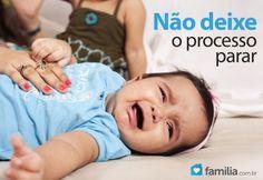 Familia.com.br | Como #ajudar um #bebe com #prisao de #ventre. #bebe #saude #crianca
