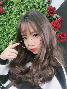 Our song is the slamming screen door Sneaking out late, tapping on y… # Fanfiction # amreading # books # wattpad Pretty Korean Girls, Korean Beauty Girls, Cute Korean Girl, Cute Asian Girls, Cute Girls, Ulzzang Hair, Ulzzang Korean Girl, Beautiful Girl Makeup, Chica Cool