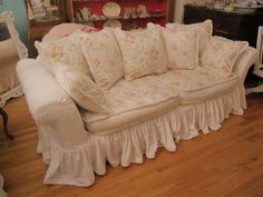 slipcovered chairs shabby chic | Vintage Chic Furniture Schenectady NY: Shabby Chic Slipcovered Sofa ...
