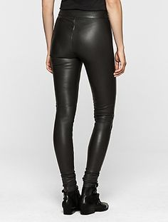 Faux Leather Skinny Pants Faux Leather pants are always trending and perfect for an edgy, chic, sexy look. Has lots of stretch and can fit a size up! Faux Leather Jeans, Black Faux Leather, Jeggings, Skinny Celebrities, Jean Rose, Celebrity Pink Jeans, Juniors Jeans, Pink Pants, Business Dresses