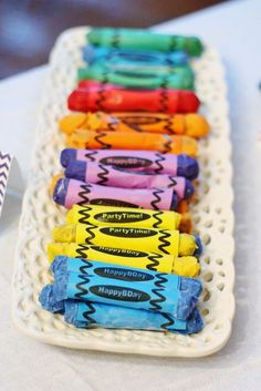 Very cool chocolate covered pretzel crayons! #chocolate #pretzel #crayons