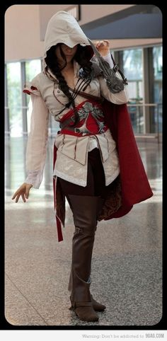 Assassin's Creed: Fem Ezio #cosplay #crossplay