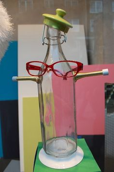 6 Bespectacled Bottle Displays |