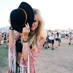 Boho chic festival style modern hippie look. For the BEST Bohemian fashion styles FOLLOW https://www.pinterest.com/happygolicky/the-best-boho-chic-fashion-bohemian-jewelry-gypsy-/ now