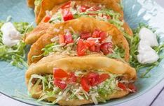 Try Taco Bell Chalupa copycat! You'll just need Taco Bell Chalupa bread Indian fry bread:, 2 cups flour, 1 tablespoon baking powder, teaspoon salt. Taco Bell Recipes, Beef Recipes, Mexican Food Recipes, Dinner Recipes, Cooking Recipes, Ethnic Recipes, Recipies, Mexican Entrees, Dog Recipes