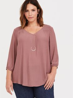 Shop women's plus size blouses, denim shirts, black chiffon & more from Torrid. Find cute blouses in styles like off-the-shoulder, low cut, button down & more! Plus Size Jeans, Plus Size Blouses, Plus Size Tops, Plus Size Women, Cute Blouses, Blouses For Women, Evening Dresses Plus Size, Blouse Designs, Chiffon Tops