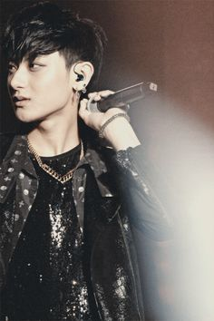 He looks so sad. Huang Zi Tao, Fairy Princesses, Exo Members, Over Dose, Best Memes, K Idols, Kpop, Concert, Panda