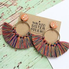 Your place to buy and sell all things handmade Macrame Colar, Macrame Earrings, Macrame Art, Macrame Jewelry, Fringe Earrings, Diy Jewelry, Hoop Earrings, Thread Bracelets, Handmade Beaded Jewelry