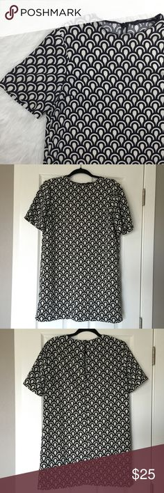 Zara T-Shirt Dress Zara t-shirt dress ➵ black and off white pattern ➵ perfect to wear with boots and leggings for the Fall ➵ see pictures for minor fabric pulls on front and back ➵ MEASUREMENTS COMING SOON Zara Dresses