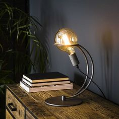 This industrial table lamp has a single light source and is made of metal and is finished in old silver. The light source distributes the light in a beautiful way through the room, creating a great ambiance. Industrial Table, Led Lampe, Beautiful Lights, Desk Lamp, Table Lamps, Decoration, Lighting, Interior, Design