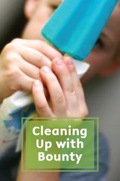 With drippy summer popsicles and fun messy crafts, summer is the perfect time to check out these tips for cleaning up your home with Bounty Paper Towels.