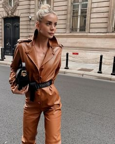 fashion week Paris Fashion Week: The transcendental street style looks Look Fashion, Fashion Outfits, Womens Fashion, Fashion Tape, Fashion Weeks, Fashion 2018, Grunge Outfits, Fashion Advice, Trendy Outfits