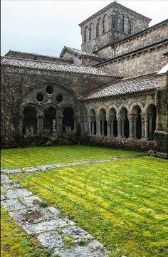 Colegiata de Santillana del Mar. Cantabria. Spain. Foto: Olivia Sanchez.