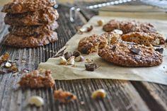 Haferflocken Cookies mit schwarzer Schokolade und Haselnüssen via http://hopefray.blogspot.com/ #Cookies #oats #chocolatte