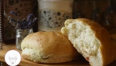 Τσουρέκια αφράτα και κορδωνάτα για μέρες!-evicita.gr Bread Cake, Food, Essen, Meals, Yemek, Eten