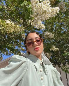 Sunglasses are the ultimate spring accessory, click through for our top picks this season. Pastel Fashion, Retro Fashion, Spring Fashion, Try On Sunglasses, Optical Shop, Pinterest Photos, Spring Looks, Who What Wear, Ultra Violet