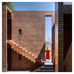 Ricardo Bofill (Taller de Arquitectura) - Family House in Mont-Ras [Spain, 1973]
