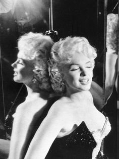 Marilyn Monroe for the Arthritis and Rheumatism Association fundraising benefit organized by Mike Todd and Ringling Brothers Circus, March 1955.