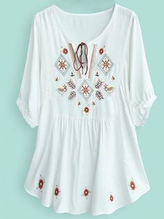 To find out about the White Batwing Sleeve Tribal Embroider Tunic Top at SHEIN, part of our latest Blouses ready to shop online today! Estilo Hippie, Boho Hippie, Look Fashion, Fashion Outfits, Womens Fashion, Cool Outfits, Summer Outfits, Embroidered Tunic, Batwing Sleeve