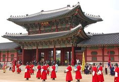 Seoul, the capital of Korea, is arguably the most popular tourist destination in all of Korea. Packed with countless sights to see and places to visit, such as ancient palaces, traditional markets,…