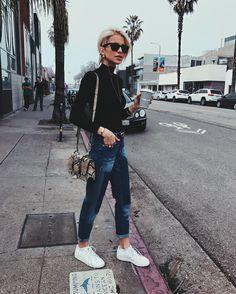 "38.9 mil Me gusta, 371 comentarios - Caroline Daur (@carodaur) en Instagram: ""Bye LA, bye nice and warm weather off to New York ✈️ (flight got canceled - now waiting for the…"""