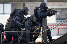 DSI, Dienst Speciale Interventies.  #dutchpatriot __________________________________________ My backup @sniper_addict __________________________________________ #military #army #soldier #camo #cod #callofduty #soldiers #gun #rifle #rifles #gunporn #gunner #usa #america #freedom #defensie #mariniers #nederland #sniper #pewpew #swat #cops #police #politie #militair