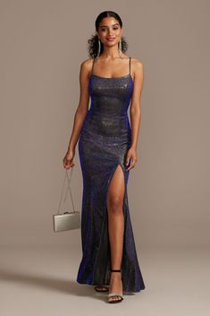 This sleek sheath gown is a head-turning option with out-of-this-world glam factor. A body-hugging glittery knit fabric with iridescent metallic shine reflects the light at every turn, while a thigh-h Pretty Prom Dresses, Hoco Dresses, Necklines For Dresses, Event Dresses, Ball Dresses, Homecoming Dresses, Beautiful Dresses, Ball Gowns, Bridesmaid Dresses