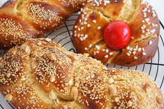 Recipes and Desserts from Greece Greek Easter Bread, Easter Bun, Cheese Pies, Yogurt Cake, Kitchen Stories, Burger Buns, Easter Cookies, Pie Dessert, Easter Recipes