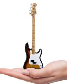 Axe Heaven Miniature Classic Sunburst Fender Precision Bass f465f2931