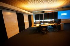 UQ Collaborative Teaching and Learning - Writeable wall panels