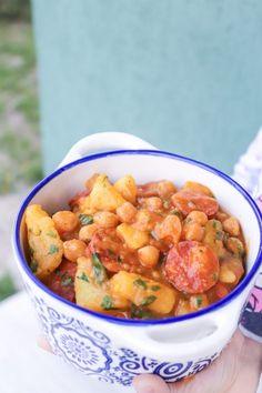 Mancare de cartofi cu naut si curry - Ama Nicolae Chana Masala, Salsa, Curry, Potatoes, Mexican, Ethnic Recipes, Food, Curries, Potato