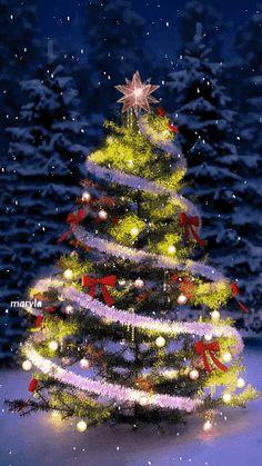 Christmas Tree Gif, Christmas Scenery, Merry Christmas And Happy New Year, Christmas Pictures, Christmas Greetings, Winter Christmas, Christmas Lights, Vintage Christmas, Christmas Glitter