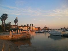 After Karen's recent visit to Portugal, here are 10 ideas on what to do in the Algarve's capital of Faro. Faro Portugal, Travel Memories, Sandy Beaches, Algarve, Portuguese, Cool Places To Visit, The Good Place, Things To Do, Tourism