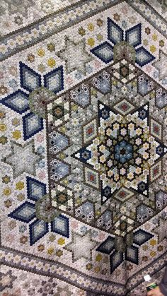 Incredible hexagon quilt at the Tokyo Quilt Festival 2014 Patchwork Quilt, Hexagon Quilt, Star Quilts, Quilt Blocks, Amish Quilts, Quilt Festival, English Paper Piecing, Quilting Projects, Quilting Designs