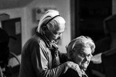 For those people who suffer with dementia, communication is often impossible. This poem explores how they might put their feelings about dementia into words, if only they could. Oscar Wilde, Coaching, Long Distance Love, Female Protagonist, Long Term Care, Old Age, Photos Of Women, Dementia, Caregiver