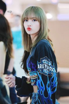 Lisa Lalisa Manoban Blackpink LISA Lisa Blackpink [lalalalisa_m] Blackpink Lisa, Jennie Blackpink, Kpop Girl Groups, Korean Girl Groups, Kpop Girls, K Pop, Rapper, Lisa Blackpink Wallpaper, Blackpink Members