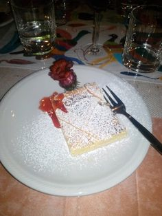 Something sweet...Lemon cake #foodie #dessert
