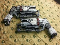 Learn how to paint and mod your nerf gun like a pro! Use this step by step tutorial, backed by videos and images, to make your blaster look awesome and real! Steampunk Weapons, Sci Fi Weapons, Concept Weapons, Steampunk Clothing, Cosplay Weapons, Cosplay Diy, Mad Max, Fallout, Modified Nerf Guns