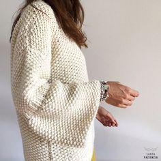 Translated version of test. Drops Design, Crochet Chain, Knit Crochet, Knitting Patterns, Crochet Patterns, Ravelry, Ladder Stitch, Knit Fashion, Learn To Crochet