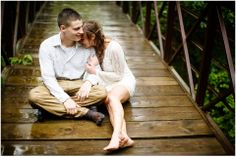 Awesome wedding photos in pouring rain :)