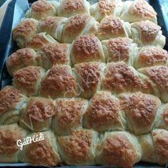 Kakaós nápolyi szelet Croissants, Scones, Apple Pie, Ethnic Recipes, Food, Breads, Sport, Bread Rolls, Deporte