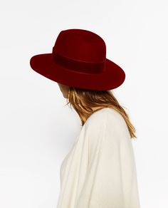 ZARA RED HAT WITH WIDE VELVET BAND