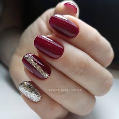 Gel Nails VS Acrylic Nails 2019 How Does The Gel Nails Look? Gel nails are sticky gel-like, and it is normal to distinguish between natural nails and stretch gel nails, which are shiny for 14 days. How Does The Acrylic Nails Look Almond Acrylic Nails, Summer Acrylic Nails, Almond Nails, Burgundy Nails, Red Nails, Red Glitter Nails, Kylie Nails, Red And Gold Nails, Yellow Nails