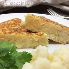 Esta sencilla receta heredada de mi abuela triunfa siempre. Puedes servir esta tortilla de coliflor caliente o fría con un toque de mayonesa, alioli o con una mayonesa aderezada con un poquito de curry o pimentón.